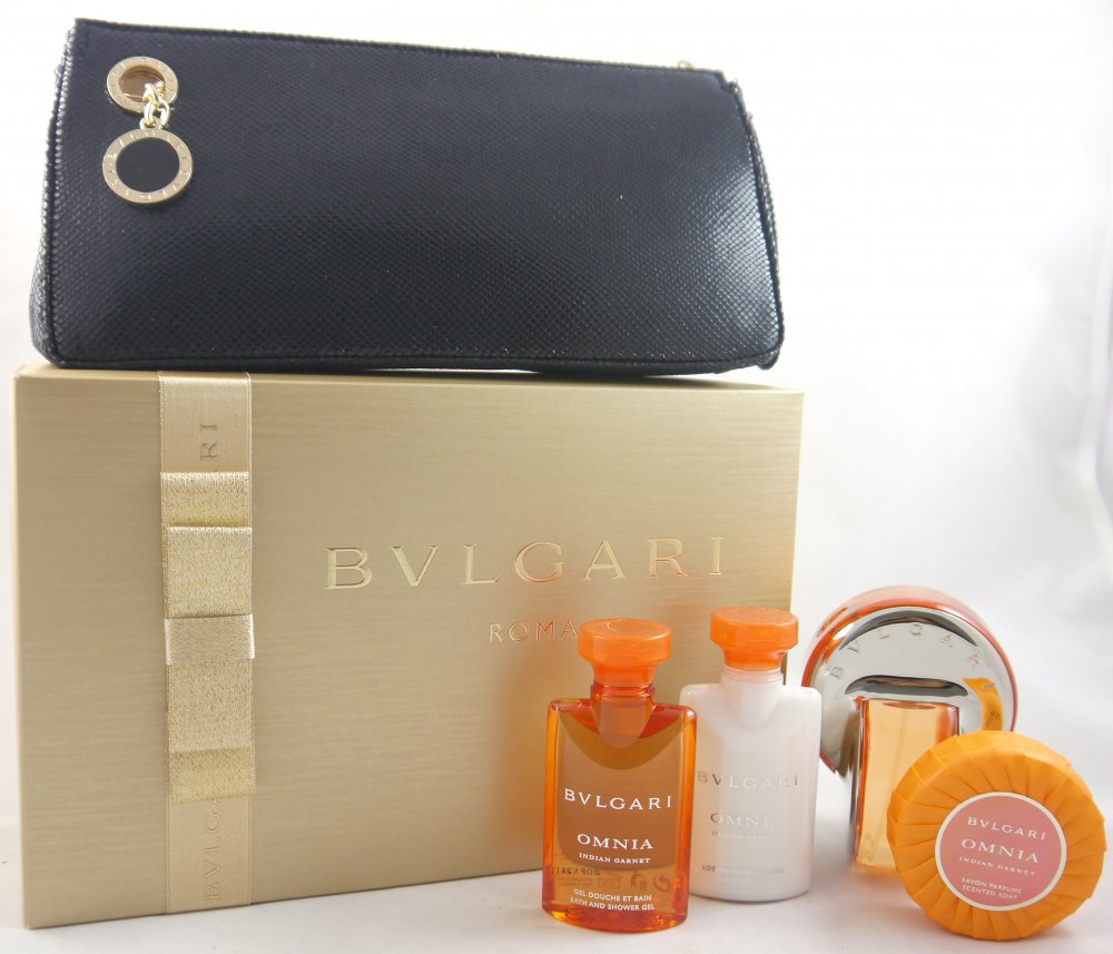BVLGARI OMNIA INDIAN GARNET EDT 65 ML + B/L 50 ML + GEL 50ML + JABON 50 ML + NECESER SET